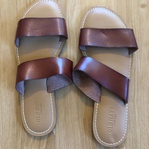 Blown Old Navy Sandals size 8